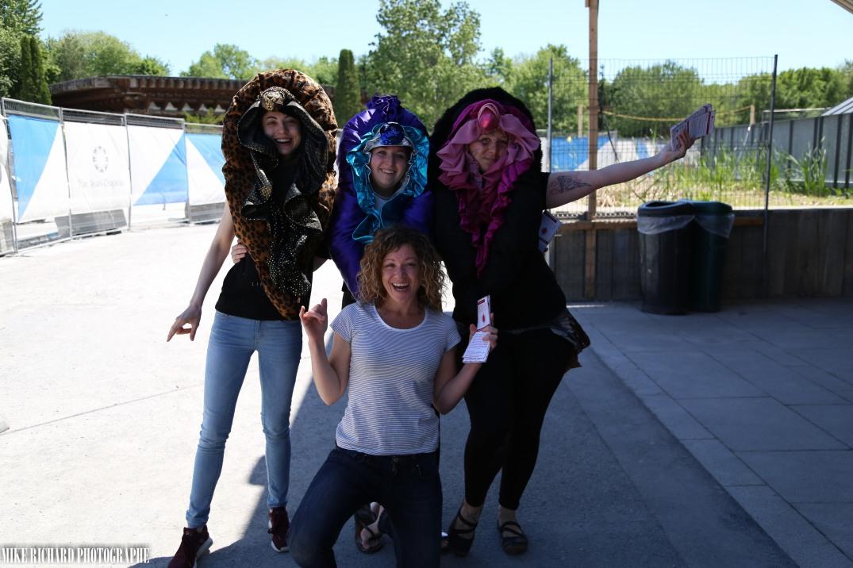 Trio de vulves et la productrice Mel Goyer